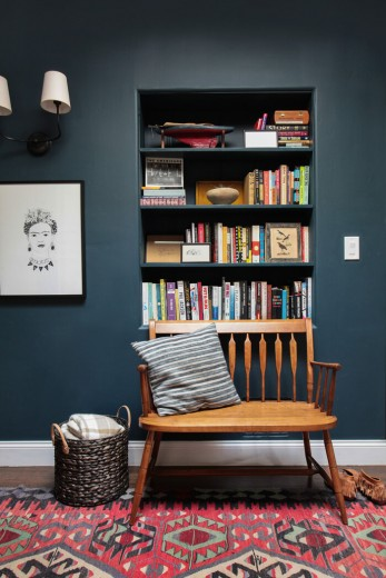 Emily-Henderson_Hague-Blue-Reading-Nook_Leather-Chair_Gallery-Wall_Bookshelves2